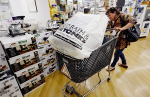 Jim Cramer says 'hold your nose and buy' Bed Bath & Beyond on 19% plunge