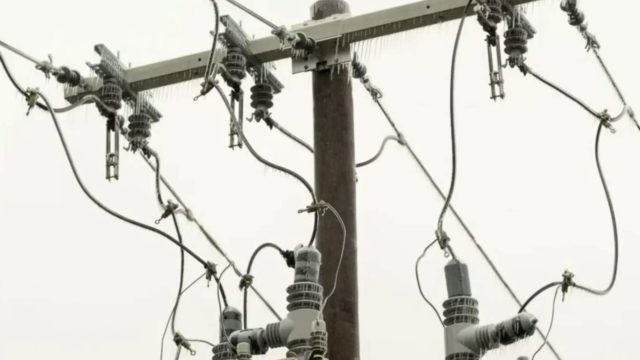 DTE Energy: Thousands of customers without power across Southeast Michigan