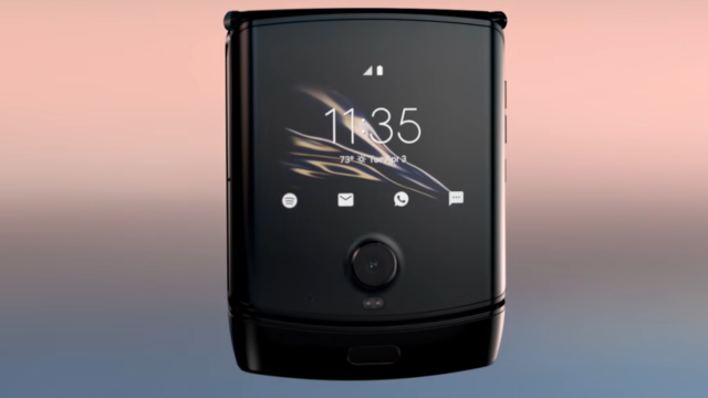 """Motorola: Don't Panic. Your Razr's """"Bumps and Lumps"""" Are Normal"""