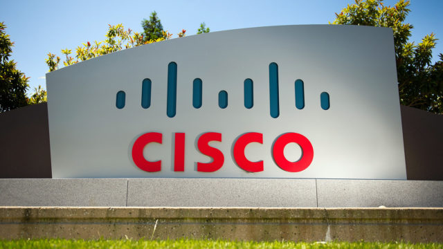 Cisco stock takes a dive after earnings but analyst says 'there's nothing wrong here'
