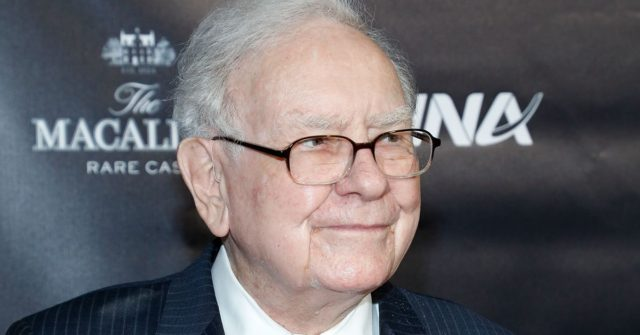 Apple investor Warren Buffett finally upgrades from a flip phone to an iPhone