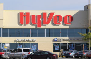 Hy-Vee continuing restructuring, Des Moines area jobs lost