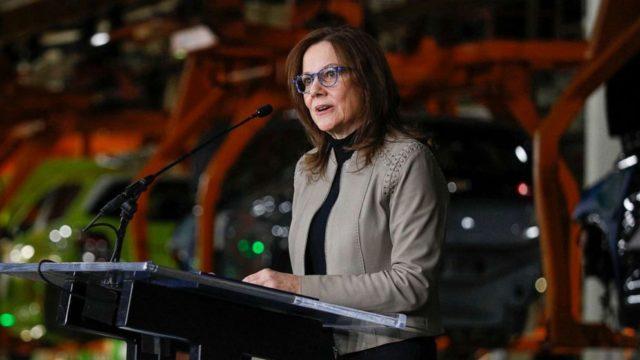 Automakers offer to build ventilators as US faces critical shortage