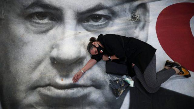 Israelis accuse Netanyahu of endangering democracy