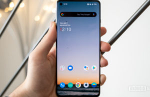 Some OnePlus 8 Pro devices suffering from green screen tint and black crush