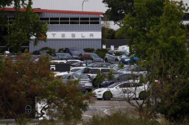 Tesla defies Bay Area coronavirus orders, restarts Fremont plant