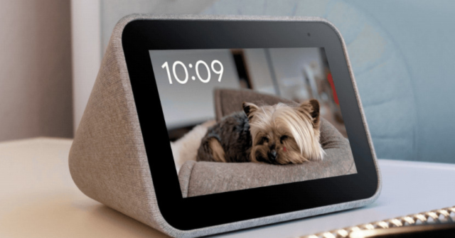 Lenovo's smart clock that can display your Google Photos is only $40