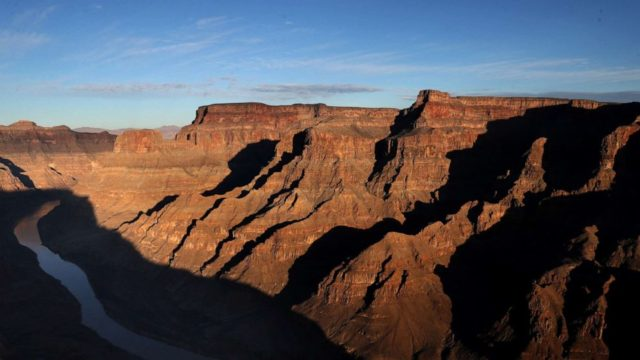 Grand Canyon hiker died from suspected heat exposure: Park officials