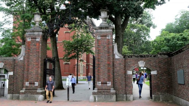 More than 200 schools back lawsuit over foreign student rule