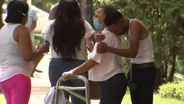 8 dead and at least 19 wounded in weekend Chicago shootings