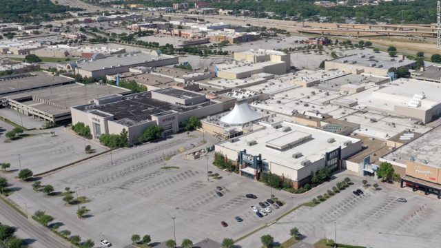 Mall owner Simon Property Group will keep stores closed on Thanksgiving