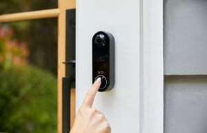 Arlo's wireless doorbell can do direct-to-mobile video calls