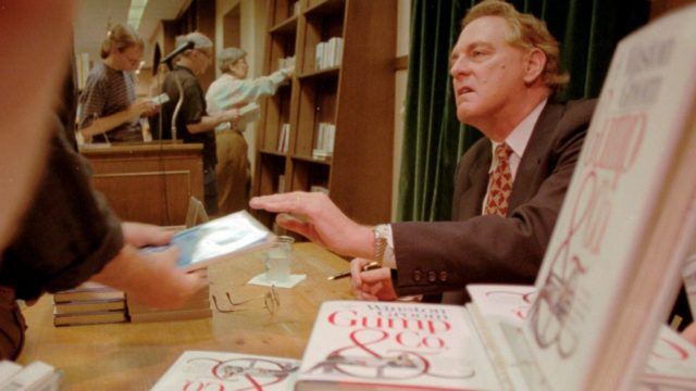 'Forrest Gump' author Winston Groom dead at 77