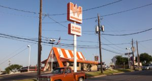 Whataburger employee shocks customer by flipping over order, but has a good excuse