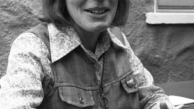 'I Am Woman' singer Helen Reddy, '70s hitmaker, dies at 78